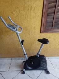 Bicicleta ergométrica Caloi. Seminova. Excelente estado. Perfeito funcionamento.