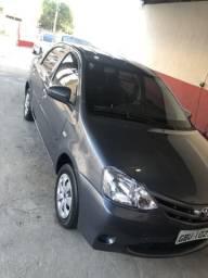 Etios sedan única dona - 2016