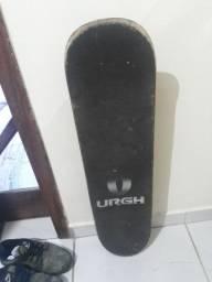 Vendo skate desabego skate da urgh otimo estado marcas de uso obvio haahhaha 100 pila