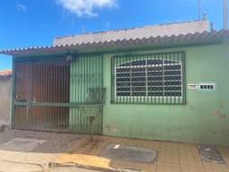 Brazil Imobiliária - Vende casa com 3 quartos na Quadra 308 - Santa Maria
