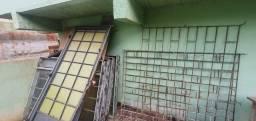 Grades, janelas e portas