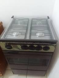 Vendo fogão Continental, usado, modelo antigo, robusto. Funcionando perfeitamente