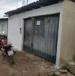 Aluga-se Casa 2/4 B. Vila Nova