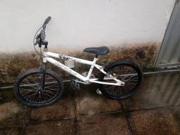 Título do anúncio: Bicicleta Cross Branca
