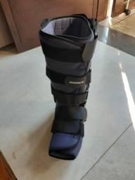 Bota ortopédica longa marca Robofoot
