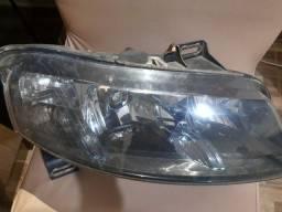 Farol máscara negra Stilo plug quadrado
