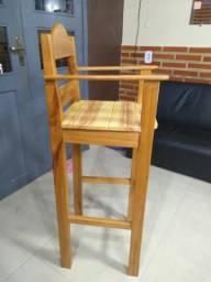 Vendo uma cadeira pra salão.