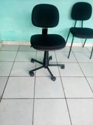 Cadeira giratória secretaria. novas de fabrica. $140. zap:983075350