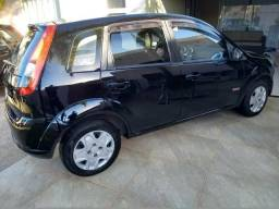 Fiesta hatch1.6 ano 2013 completo - 2013
