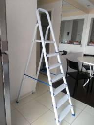 Escada MOR 2m de 7 degraus