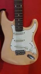 Guitarra + pedaleira + Cabo + bandoleira