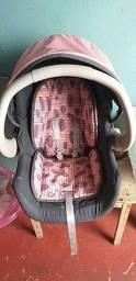 Vendo ou troco por carrinho de bebê menina