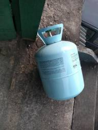 Butija vazia de gás de ar condicionado