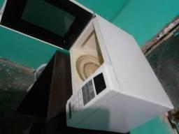 Vende-se microondas panasonic, funcionando perfeitamente