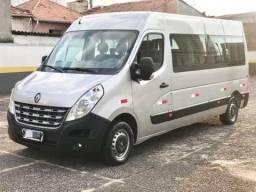 Van Renault Minibus - 2016