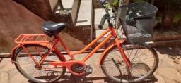 Linda bicicleta semi nova (ITAJAÍ)