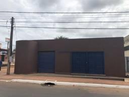 Casa e Ponto Comercial na Rua Valdomiro Lopes - Conquista, 60m do Posto BR