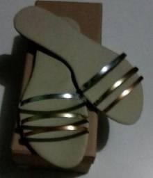 Rasteira de 3 cordas metalizadas na grade