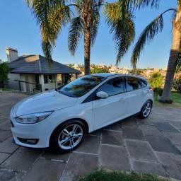 Ford Focus Hatch SE 1.6 Flex *Apenas 17.000 km* *Único dono