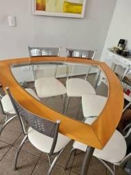 Título do anúncio: Conjunto de mesa e cadeiras