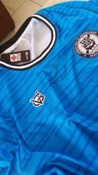 Camisa autografada pelo Romário