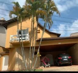 Alphaville 9 - Casa 395m² - 4 dormitórios sendo 2 suítes; 4 vagas; ar condicionado; piscin