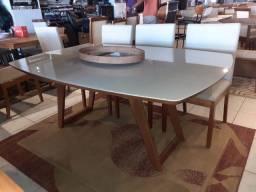 Mesa de madeira maciça pronta entrega de 6 lugares