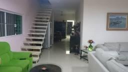 Título do anúncio: Casa no Maracanã - Praia Grande com 235 m²  4 Suites, 6 Vagas    1.100 MIL