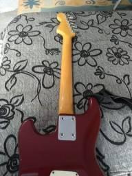 Título do anúncio: Guitarra Jennifer ( leia a descrição)