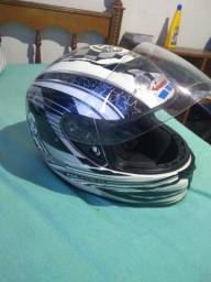 Vendo capacete Taurus