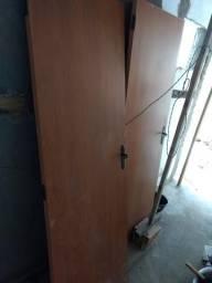 3 portas de madeira sem as caixas