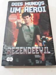 Livro: dois mundo um herói