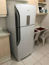 Refrigerador (geladeira) Panasonic Frost Free 487L Branca BT-47