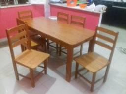 Mesa com 6 cadeiras nova