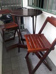 Jogo de mesa e cadeiras bistro