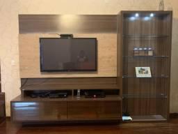 Móvel para TV impecável! 3,10m x 2,20m com iluminação