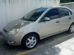 Fiesta sedan 1.6 completo - 2005