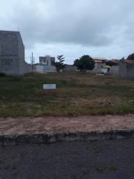Lote em condomínio fechado com lazer completo em Guarapari