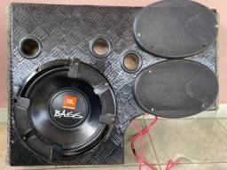 VENDO SUB 12 polegadas 400 RMS da JBL com caixa e 1 Modulo corzus 400 RMS toca o sub