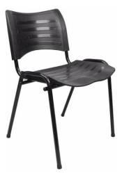 Cadeira fixa empilhável polipropileno preto - à vista dinheiro ou pix