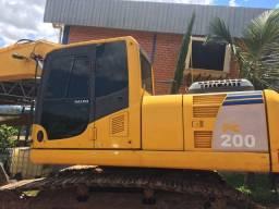 Escavadeira hidráulica Komatsu PC 200 LC-8