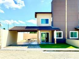 Casa de esquina em Condomínio Porteira Fechada