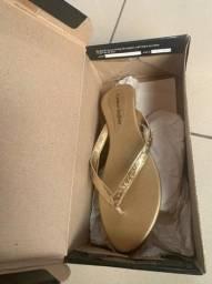 Sapato novo na caixa Carmen Steffens