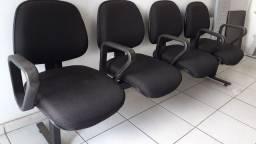 Vendo está cadeira bem conservada