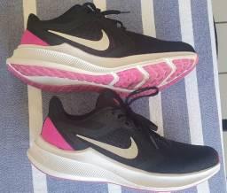 Tênis Nike Downshifter 10 - Num 37
