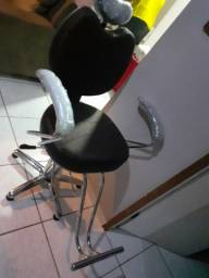 Cadeira para barbeiro 900 reais