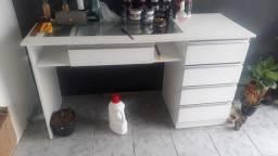 Mesa para Manicure em geral