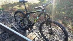 Bicicleta RAVA aro 29 novinha