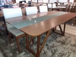 Mesa de madeira maciça pronta entrega de 6 lugares nova