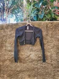 Casaco Cropped usado, tamanho P